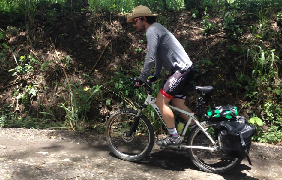 cicloviajero colombiano