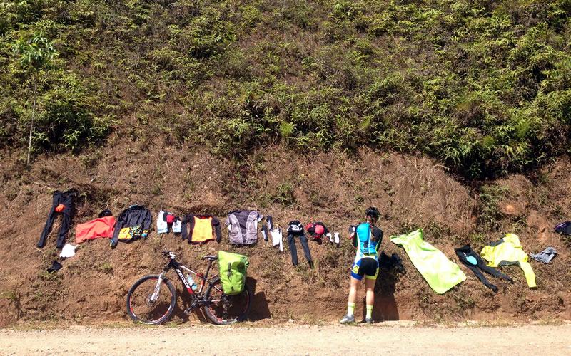 ropa para cicloturismo